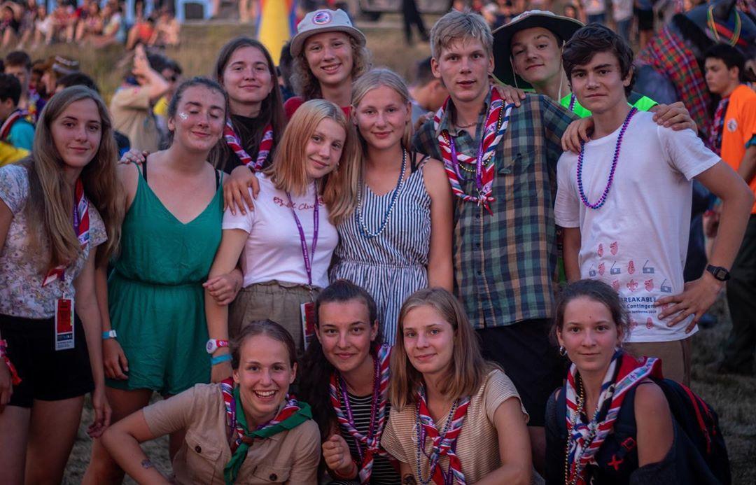 Na 40 tisíc skautů z celého světa se potkalo na jamboree. Češi připomínají drsné osudy skautů za války
